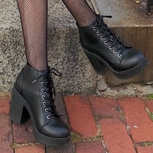 H&M black heeled boots! worn once